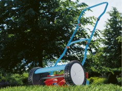 Präzise, leichtgängig, sauber: Spindelmäher eignen sich optimal für kleine Gärten (Foto: Gardena)