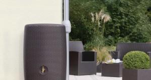 Moderne Regentonnen fügen sich harmonisch in die Gestaltung Ihres Gartens ein (Foto: Otto Graf GmbH)