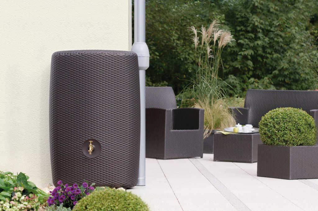 regentonnen verbinden cool regentonne with regentonnen verbinden perfect verbindet mit. Black Bedroom Furniture Sets. Home Design Ideas